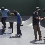 Alunos desenvolvendo no skate.
