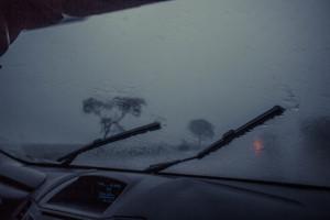 Chuva na estrada.