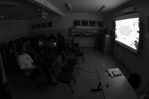 Exibição do vídeo Situacionistas foto: Camilo Neres.